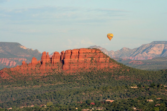 sedona sunrise, balloon over buttes