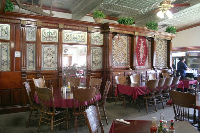 cameron dining room, tiffany glass