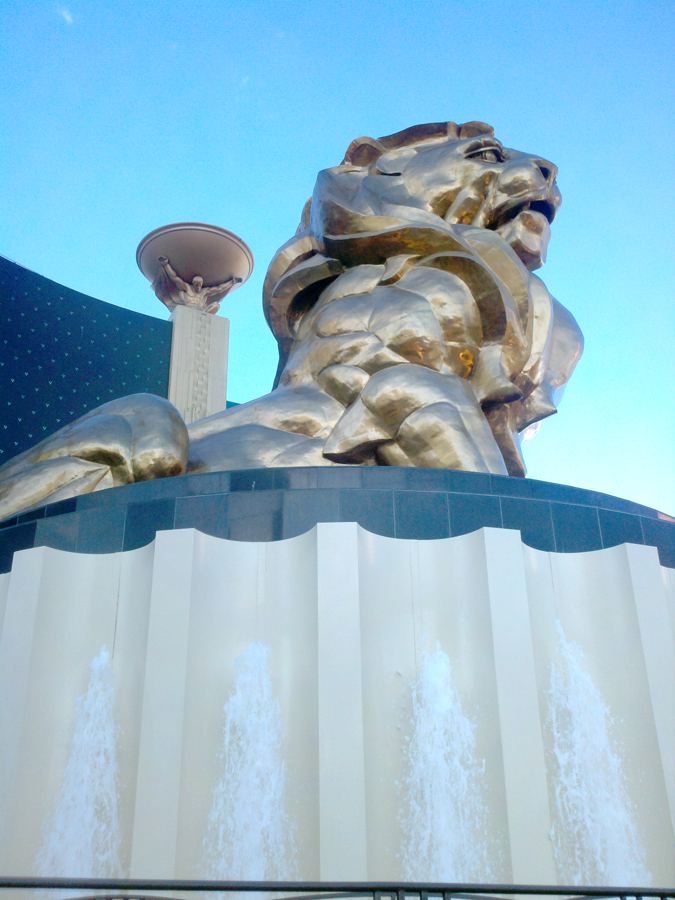LV-MGM entrance lion