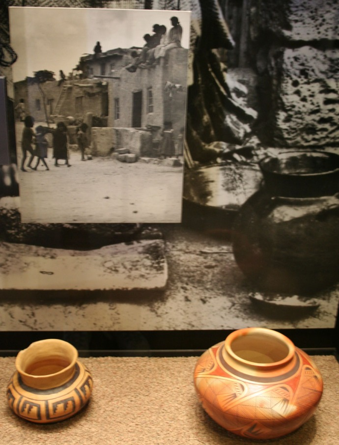 tusayan pot exhibit