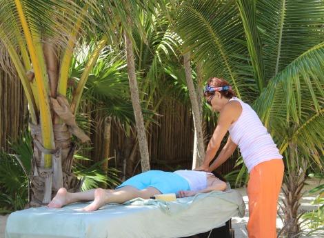 Lucia massaging lady