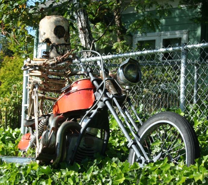 Sebast art-skeleton on bike