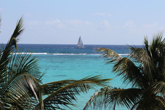 Soliman Bay sailboat passing