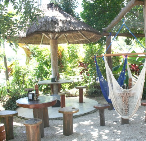 Urge palapa tables