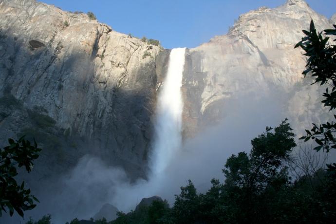 Yose-Bridalveil Falls closeup
