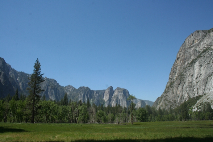 Yose-Yosemite Valley, looking west