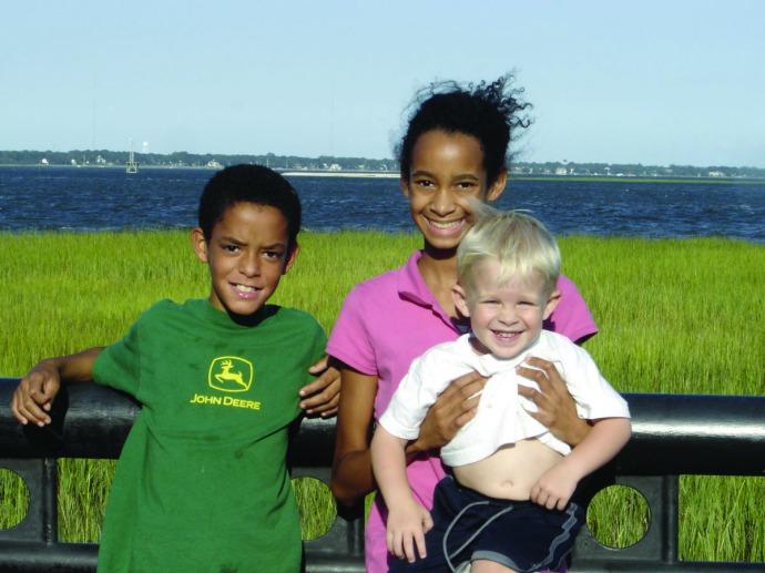 Charleston, 3 kids at water