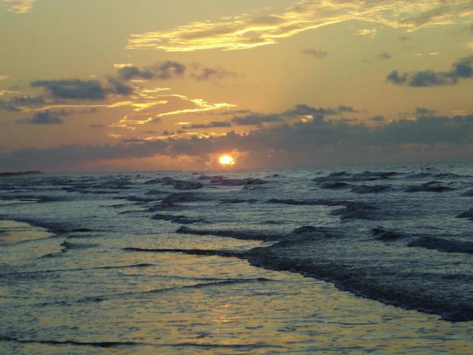 Kiawah Island waves, sunrise