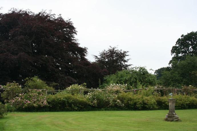 Egling garden, sundial