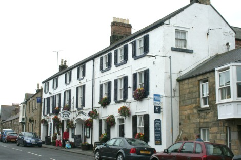 eng-alnmouth street