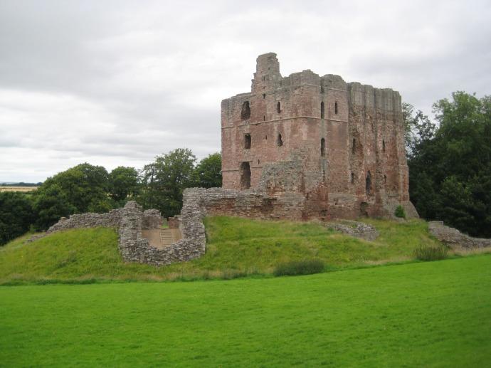 Eng, castle ruins