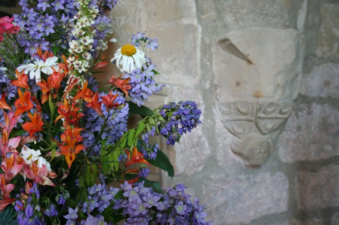 eng-flowers and church ogles crest