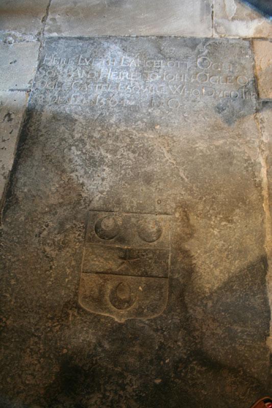 eng-Lancelot ogles tomb