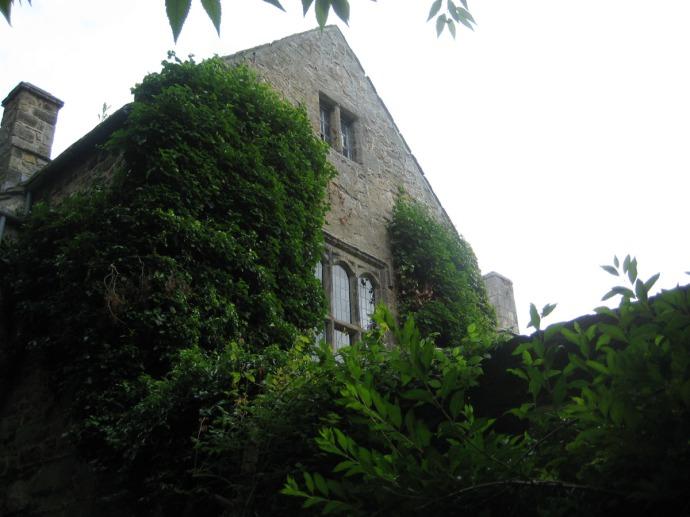 Eng, Ogle Castle end view