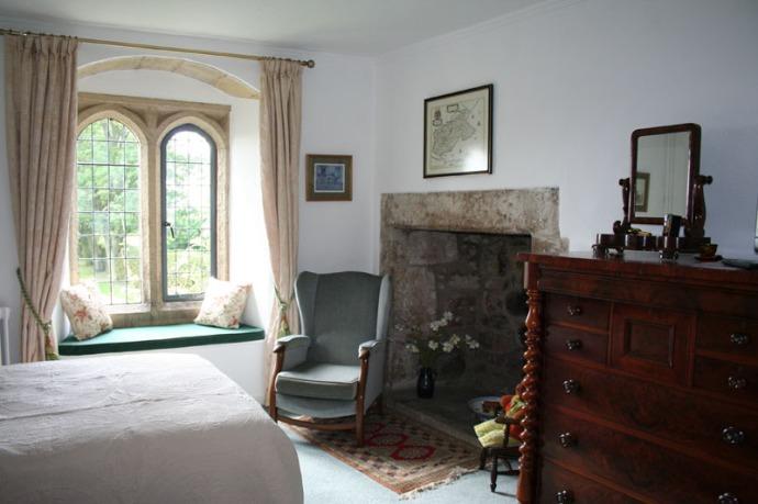 eng-ogles castle bedroom