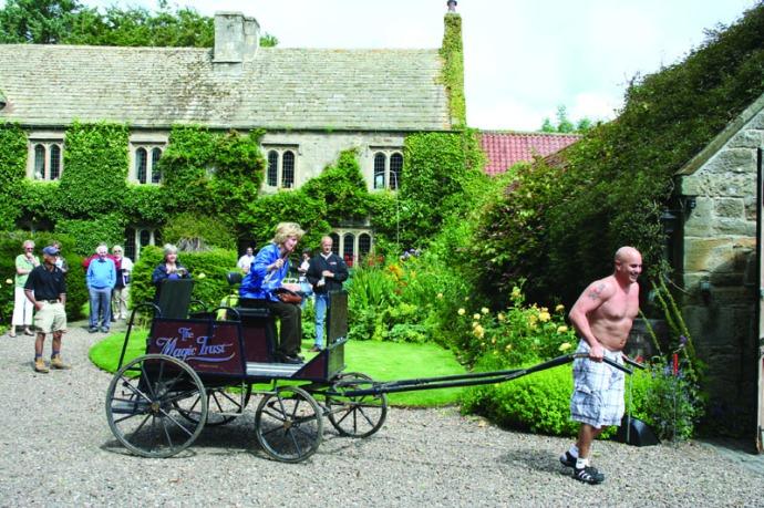Eng-Ogles castle, jim pulling cart