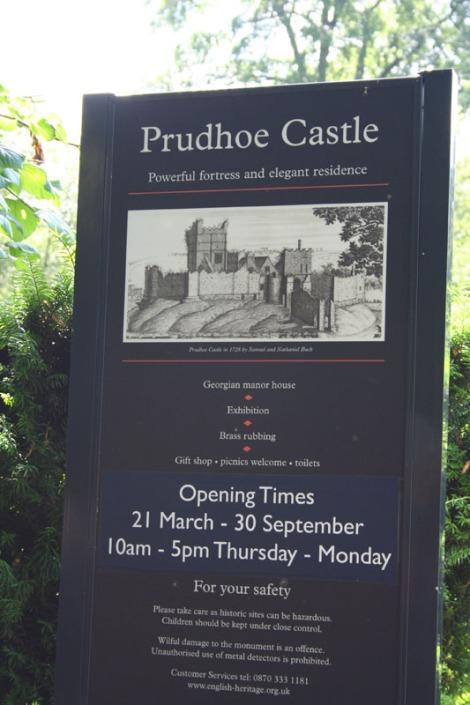 eng-prudhoe castle sign