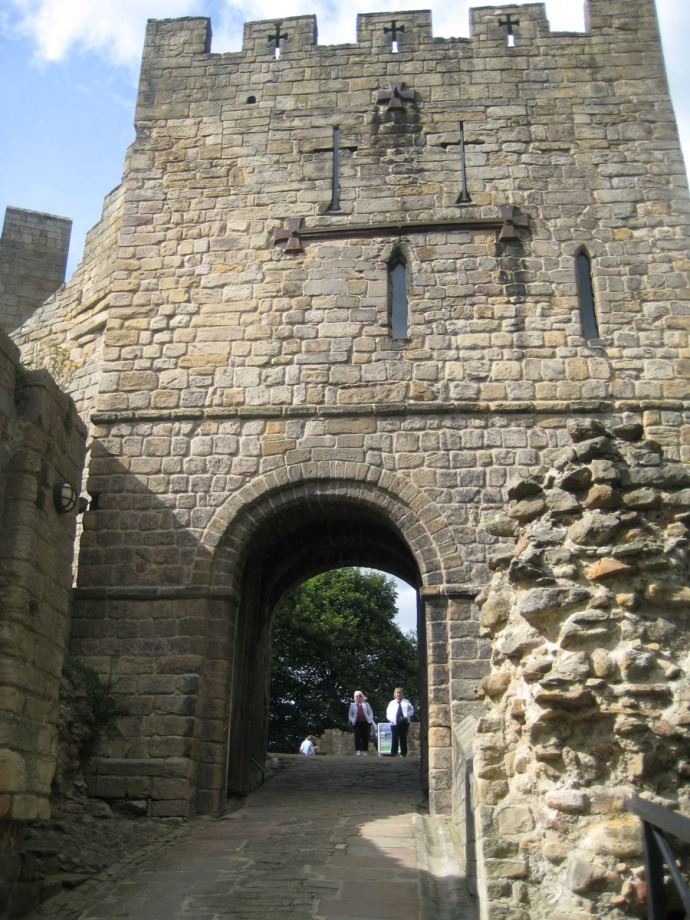 Eng, Warkworth Castle tower gate