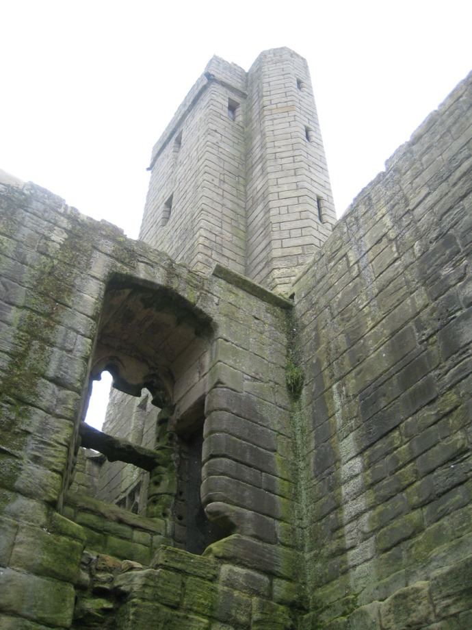 Eng, Warkworth castle tower