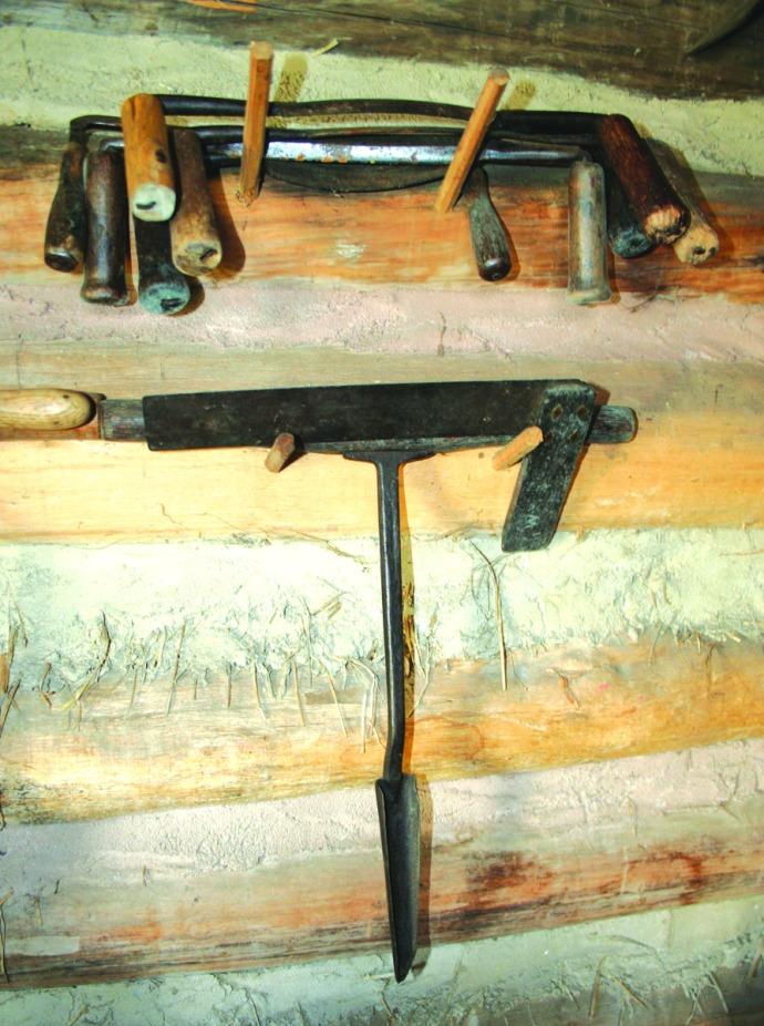 manskers, auger, draw blades