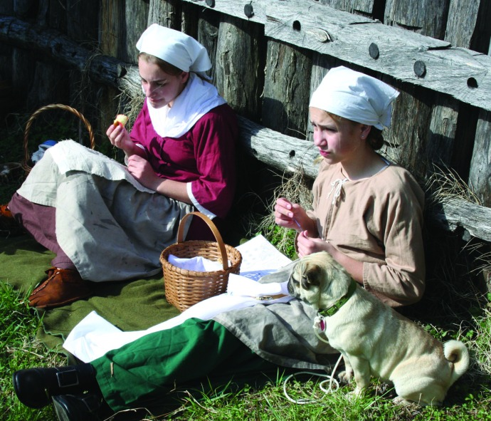 manskers, girls sewing, pug