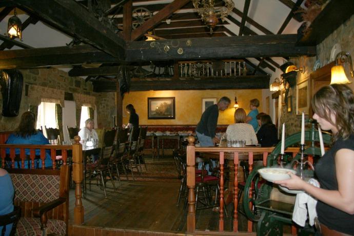 Tankersville interior, dining room