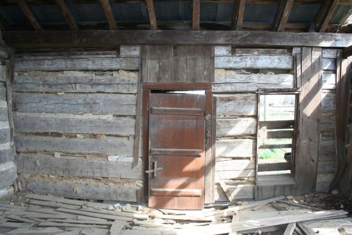 huffman cabin int, front door