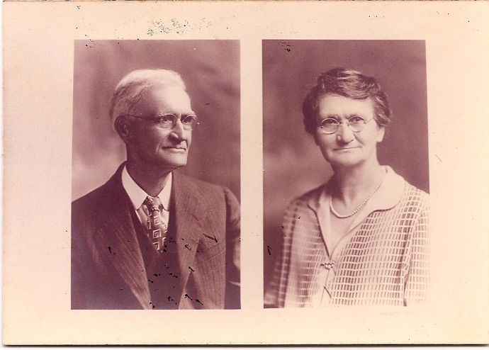 William T. & Nancy Eliazabeth Head, old