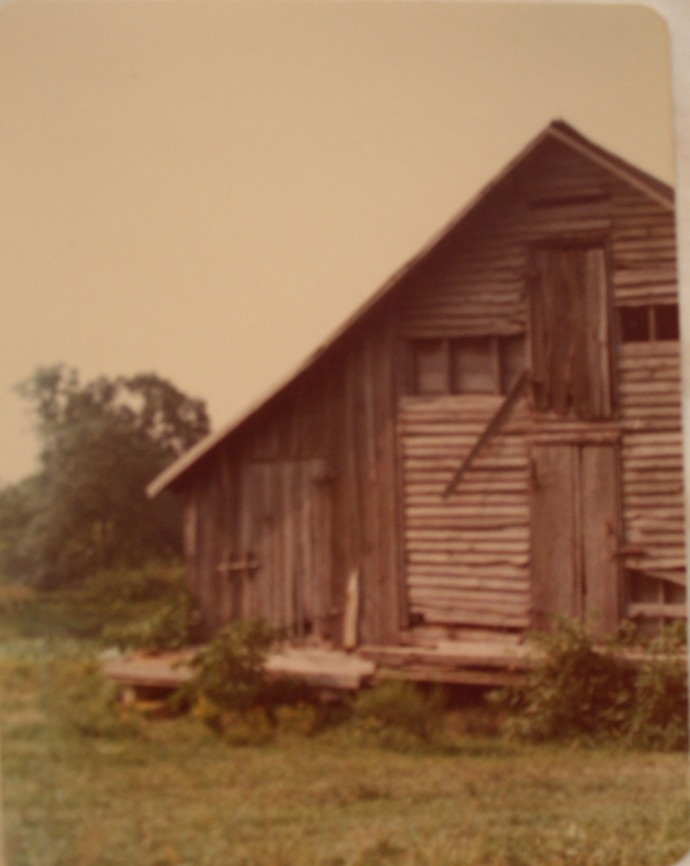 Head house smoke house or crib