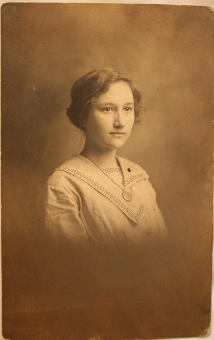 Rosa Elizabeth Head, locket pic
