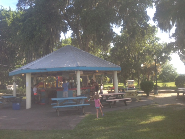 Daufuskie Crab Co pavilion