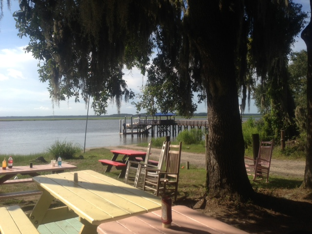 Daufuskie Crab picnic tables