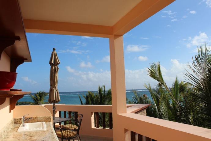 Ka'an top outdoor kitchen view