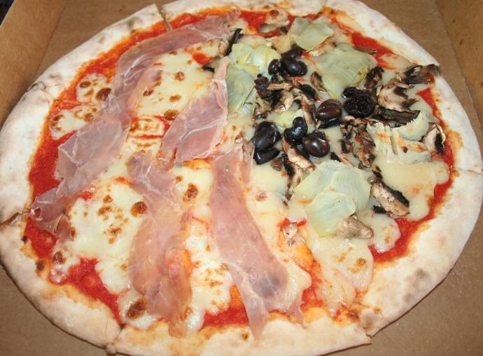 Le Nave italian pizza