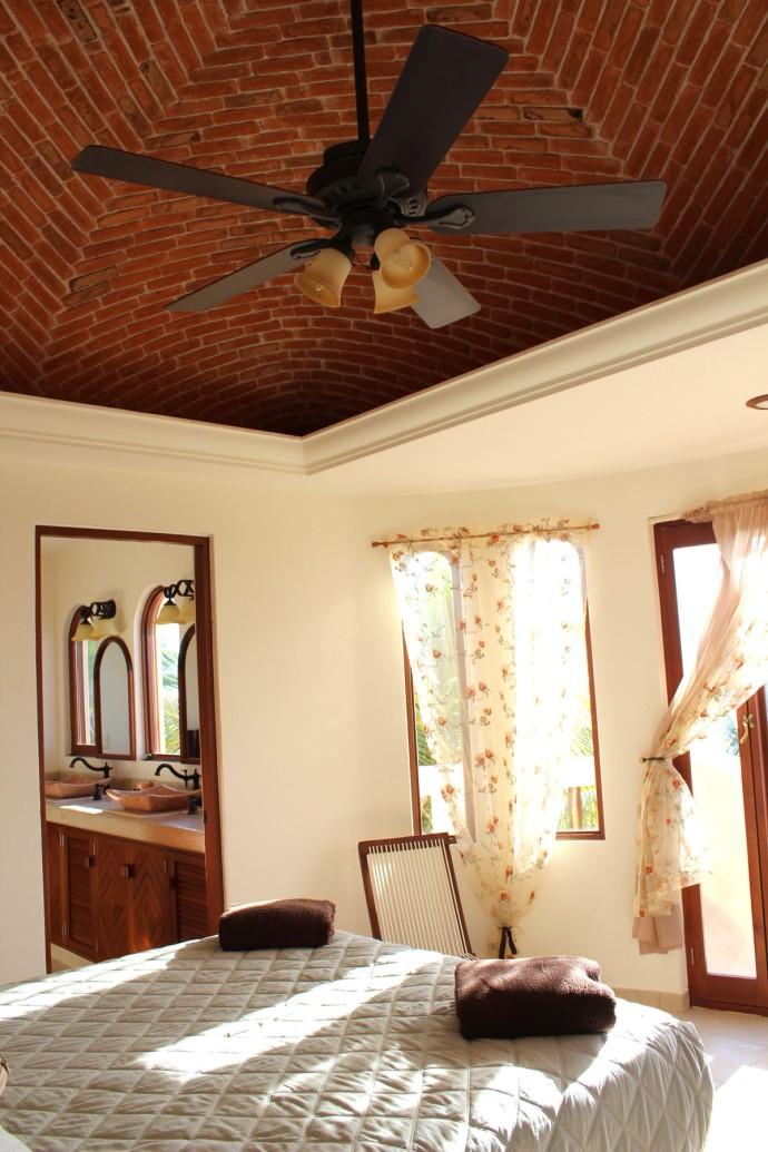 Nah Kaan top BR vert, ceiling, Bath