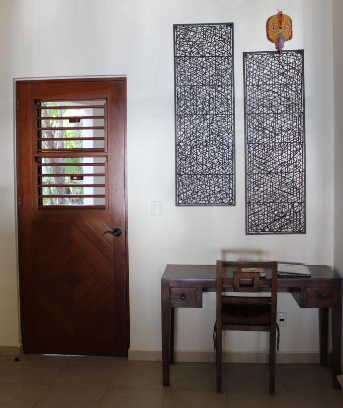 Nah Luum desk, door