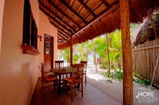 Nah Lu'um outdoor patio