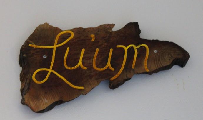 Nah Luum sign