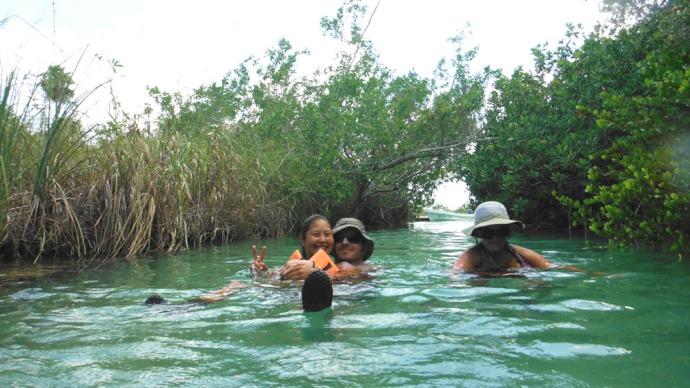Sian Ka'an group floating