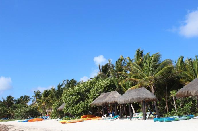 Soliman beach kayaks, palapas