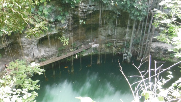 Xcanche cenote hori from top