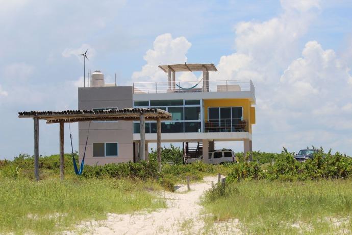 Rio Lagartos beach solo house