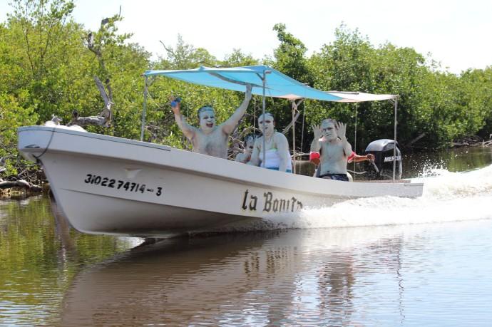 Rio Lagartos mud people Bonita boat