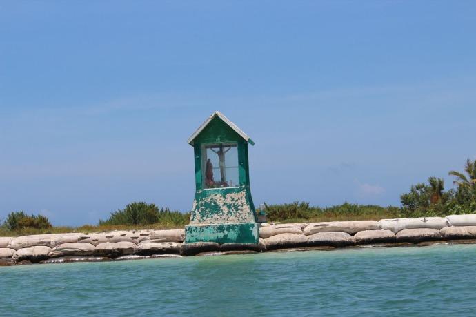 Rio Lagartos sailor's memorial