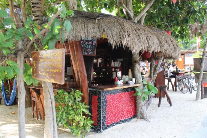 Tulum Beach, Exresso stand
