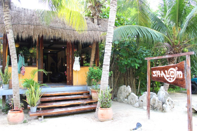 Tulum Beach Shalom shop