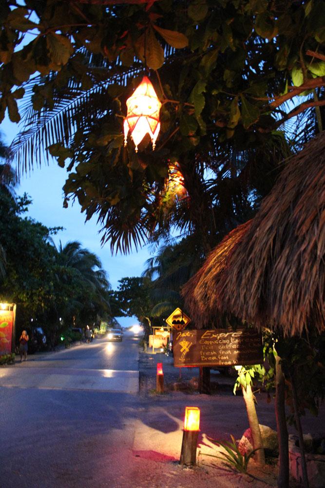 Tulum Beach twilight vert lantern