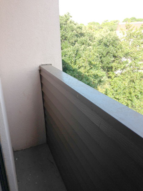 HH Metropolitan hotel balcony