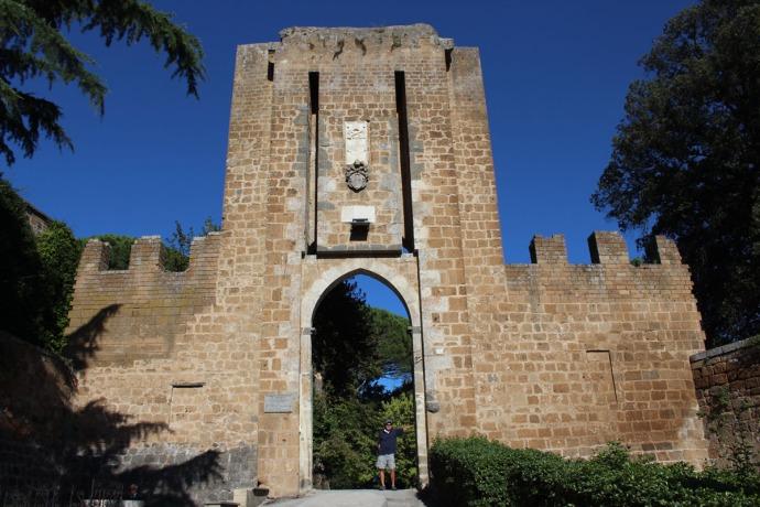 Orvieto Albornz Fortress gate, Wally
