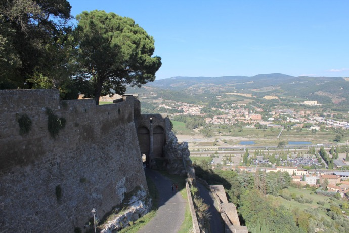 Orvieto fortress wall to valley